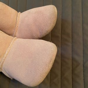 Baby girl UGG boots 12-18 month great condition
